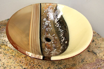 Exceptionnel Fused Glass Sink Bowl On Display At Lavin Tile.